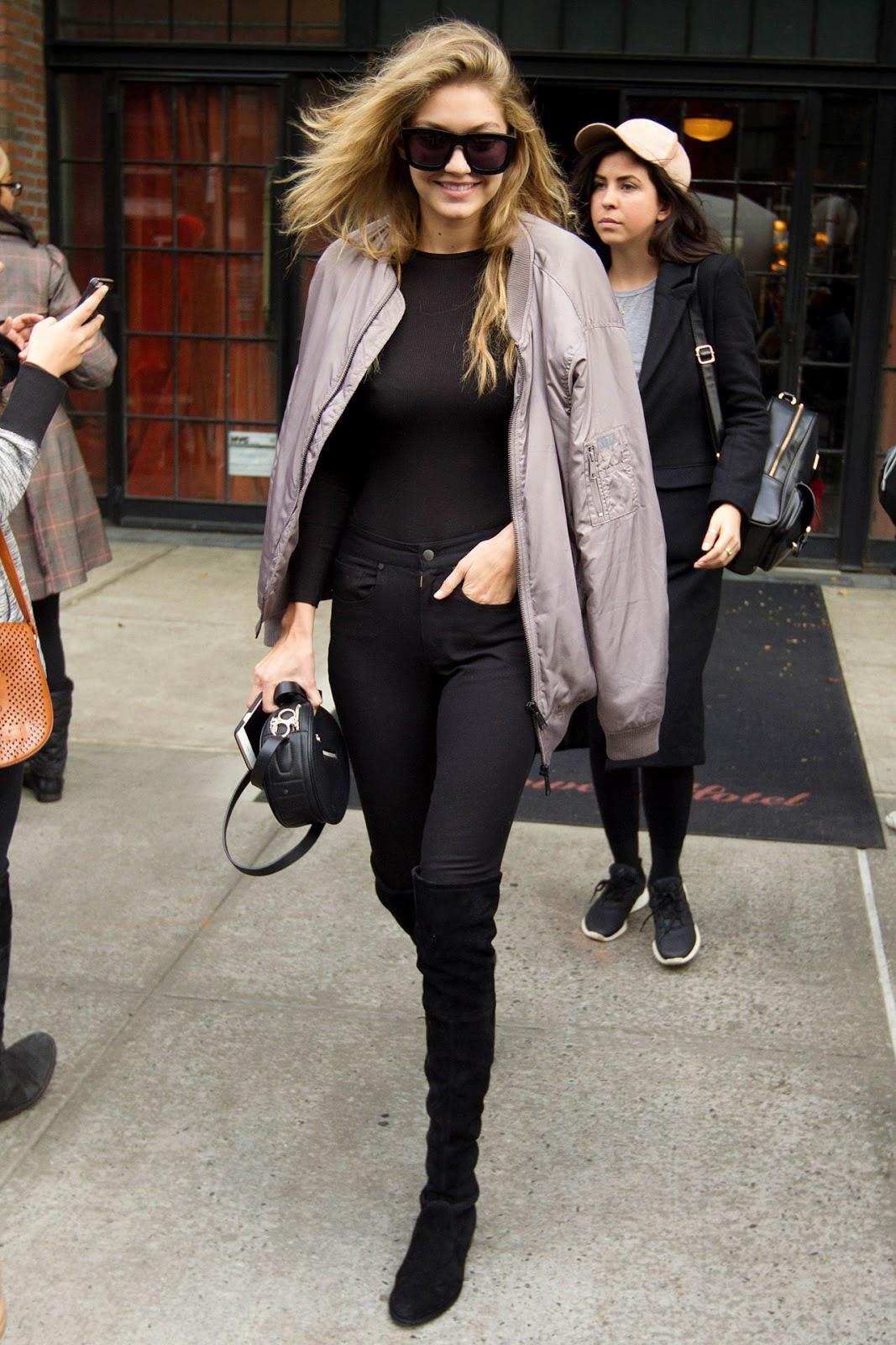 Bekend Dit zijn de tofste manieren om je overknees te dragen | FEM FEM &CG09