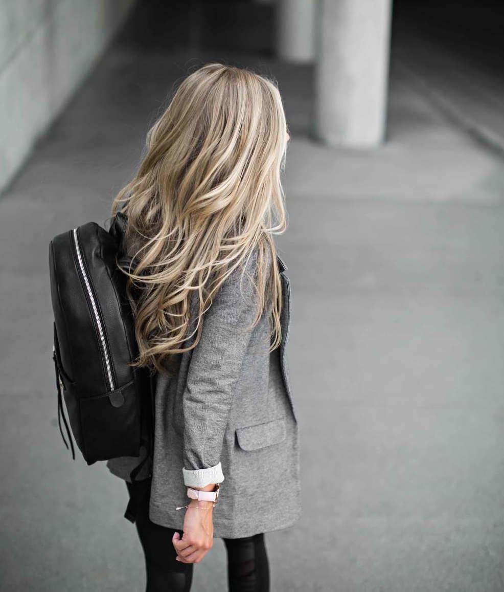 femfem-vrouw-blond-vettig