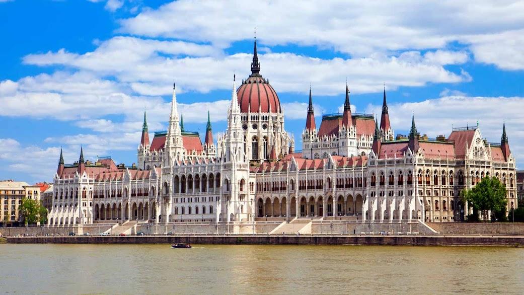 parlementsgebouw-budapest