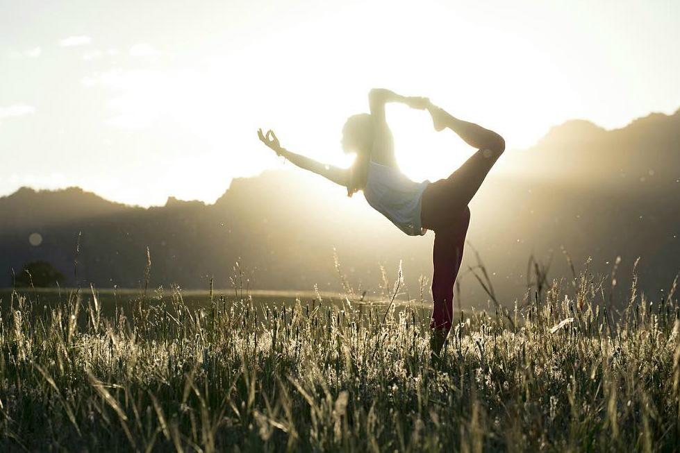 yoga-basis-zonnegroet-femfem