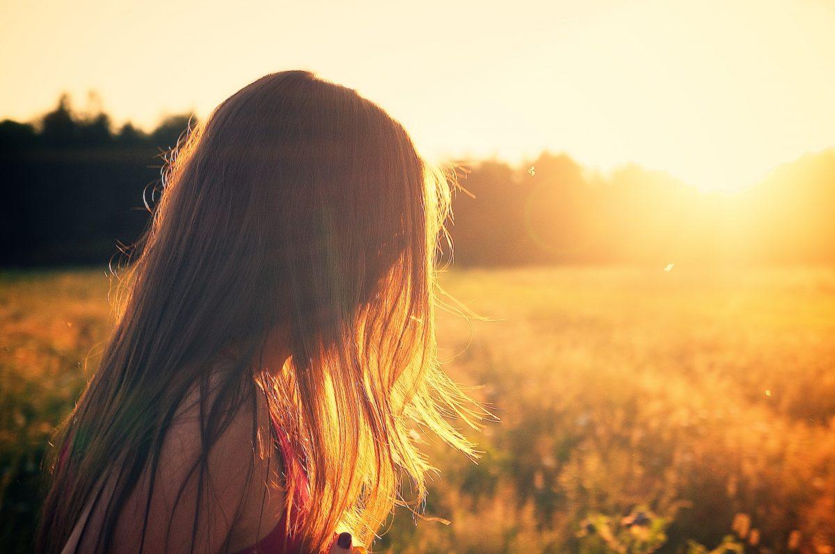 Sunset-girl-FEMFEM