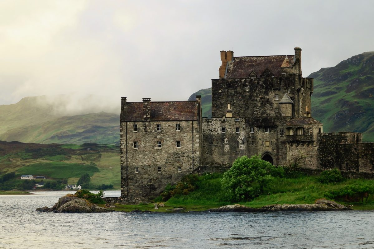 castle-schotland-FEMFEM