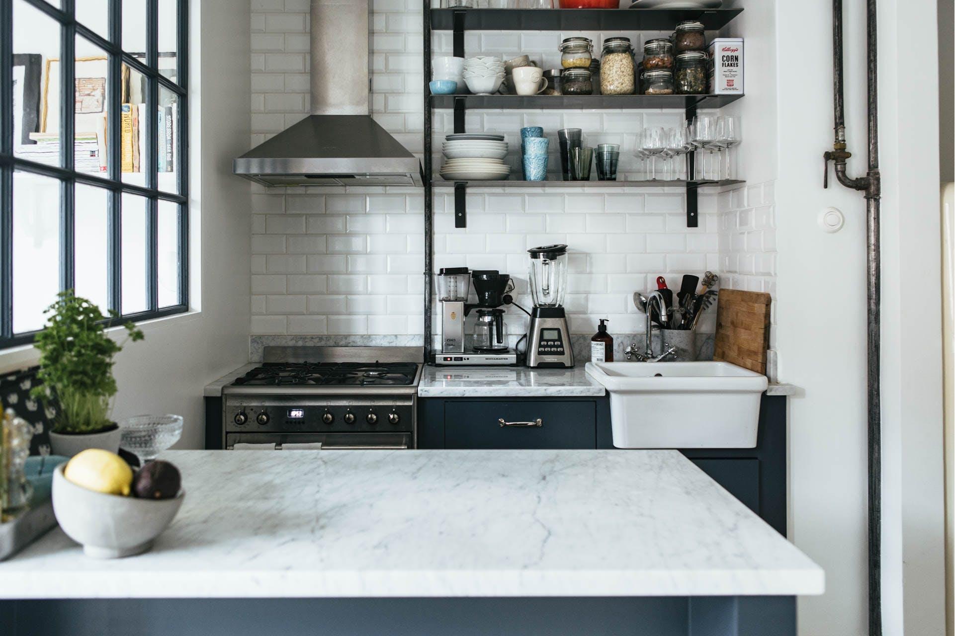Inspiratie marmer is een ware toevoeging aan je interieur - Keuken wit marmer ...