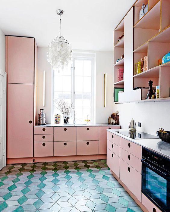 https://fem-fem.nl/app/uploads/2017/08/roze-interieur-keuken-femfem.jpg