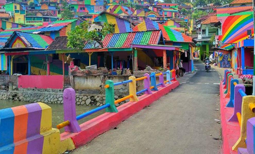 regenboog dorp fEMFEM