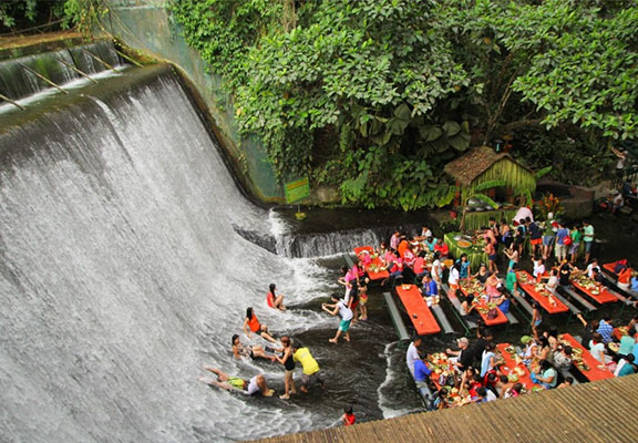 The Labasin Waterfalls Restaurant Filepijnen