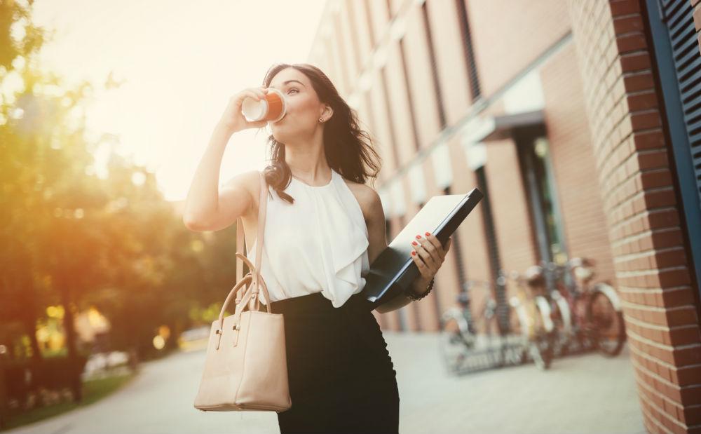 Door deze gewoontes verlaagt jouw productiviteit FEMFEM