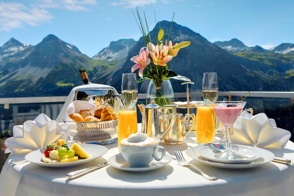 tschuggen grand hotel ontbijt