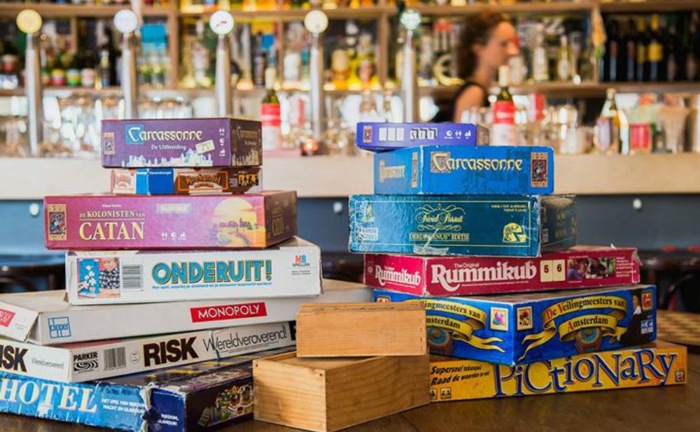 De Gravin Board Game Cafe femfem