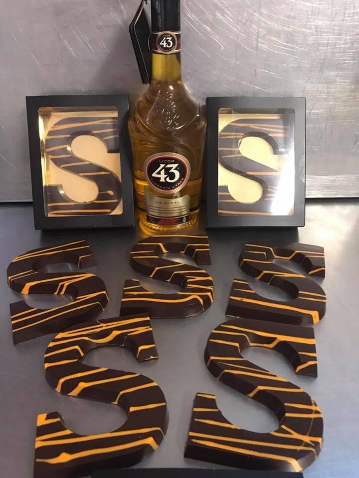licor-43-chocoladeletter-femfem