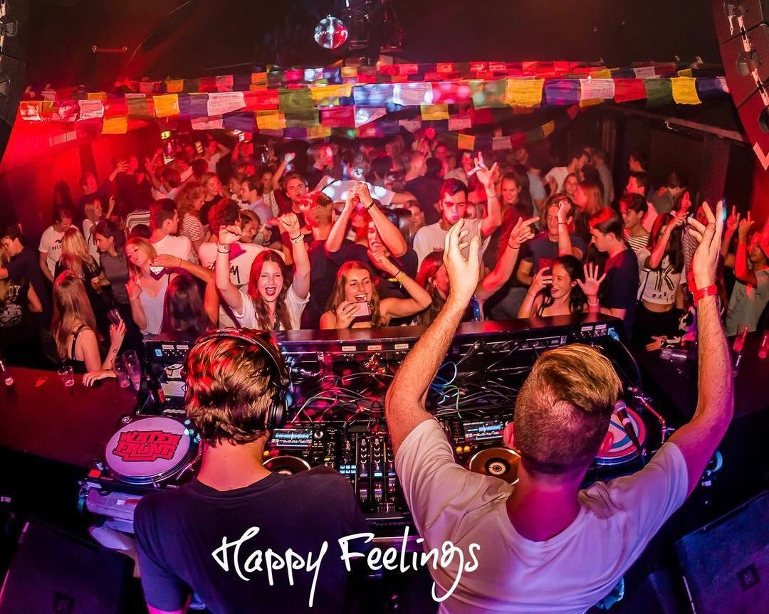 NYE-feestjes-happy-feelings-femfem