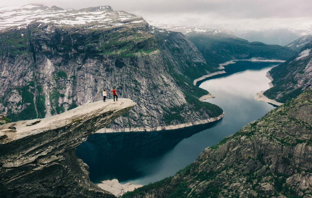 Trolltunga Noorwegen rots fem fem
