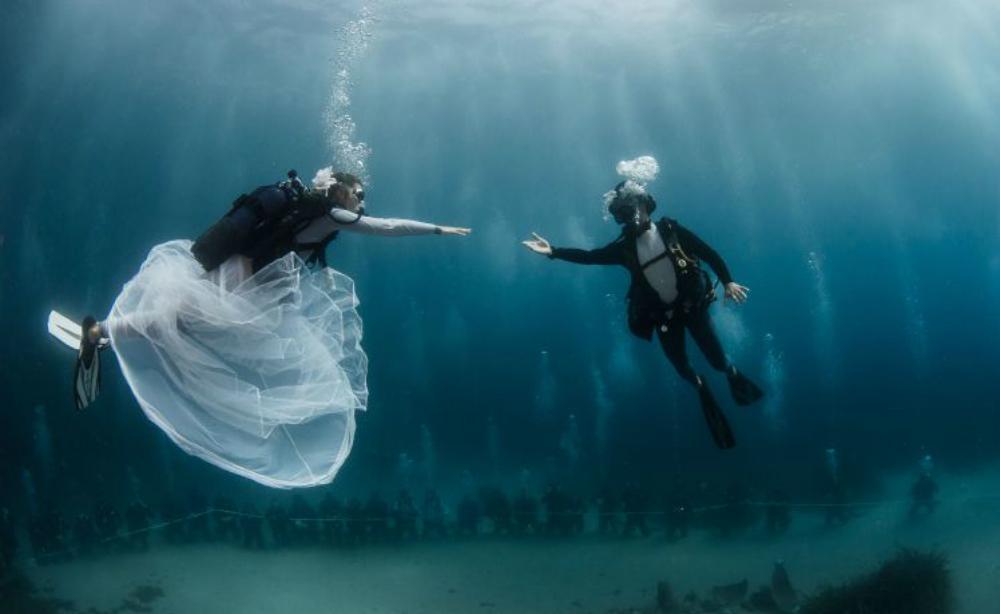 onderwater trouwen femfem