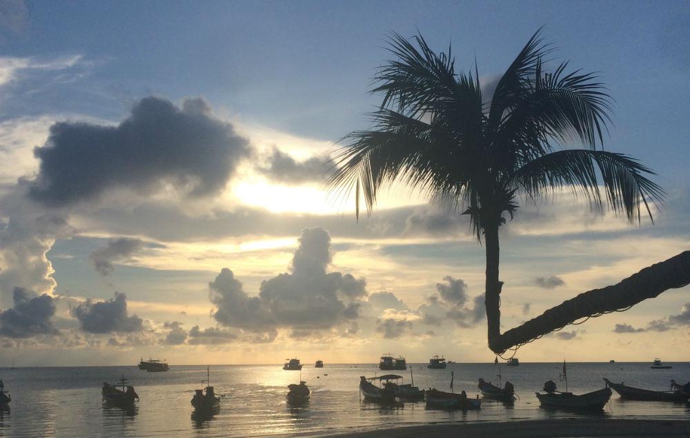 agnes-alleen-de-wereld-rond-zonsondergang