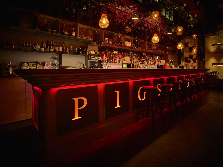 pigs-and-punch-bar-femfem