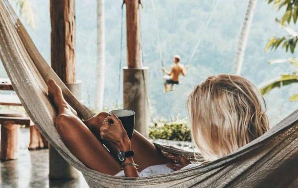 tot rust komen bij een social media bedrijf in de vakantie fem fem
