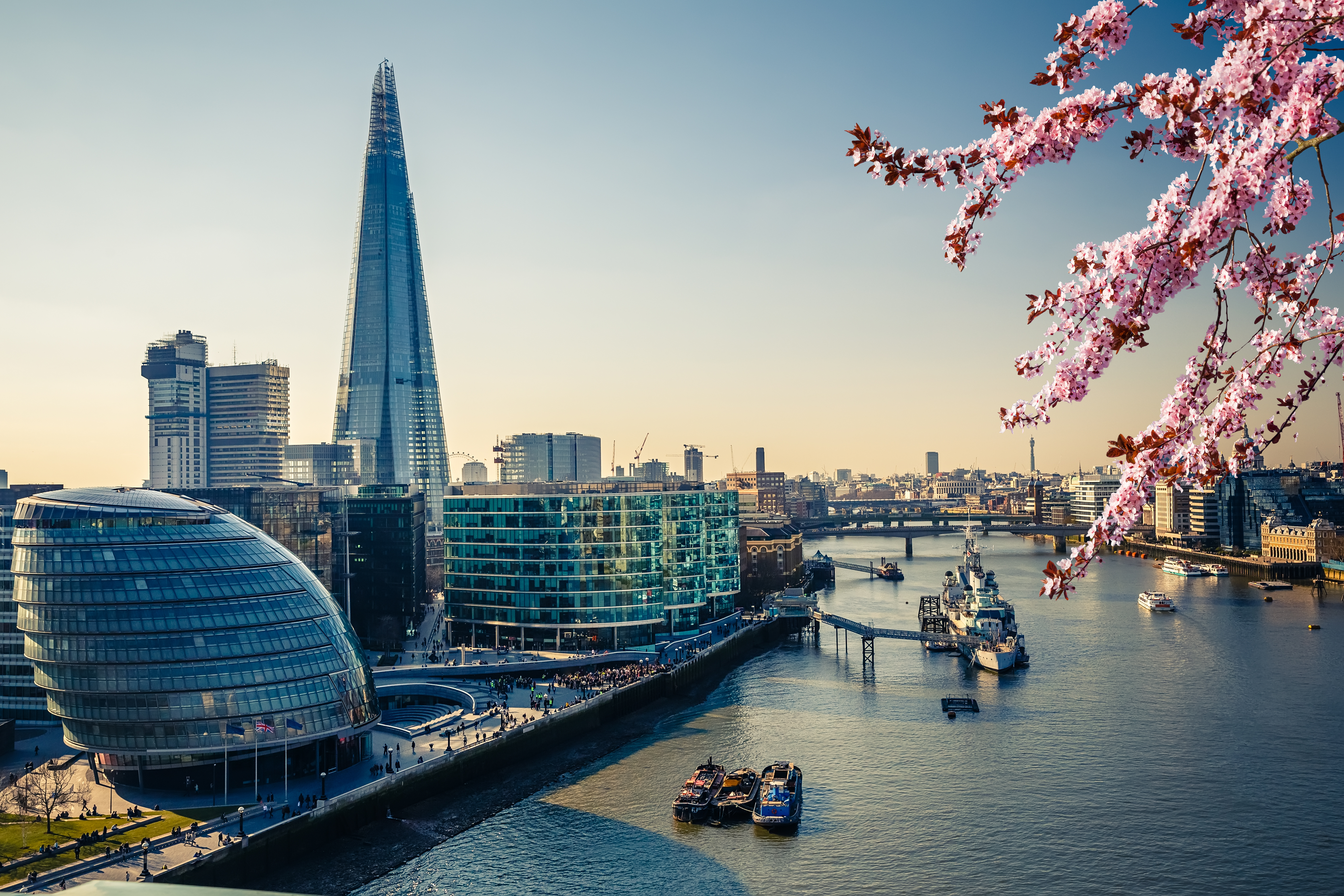 Thames and London City at spring