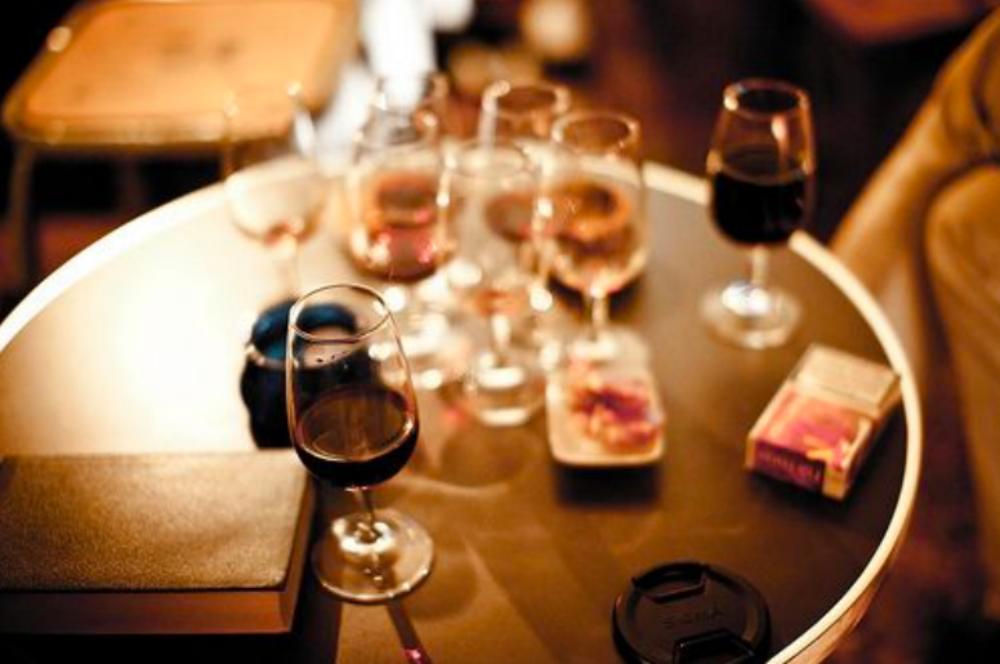 overmatige alcohol FEM FEM