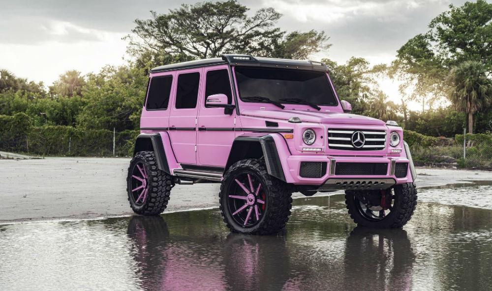 Roze auto FEM FEM