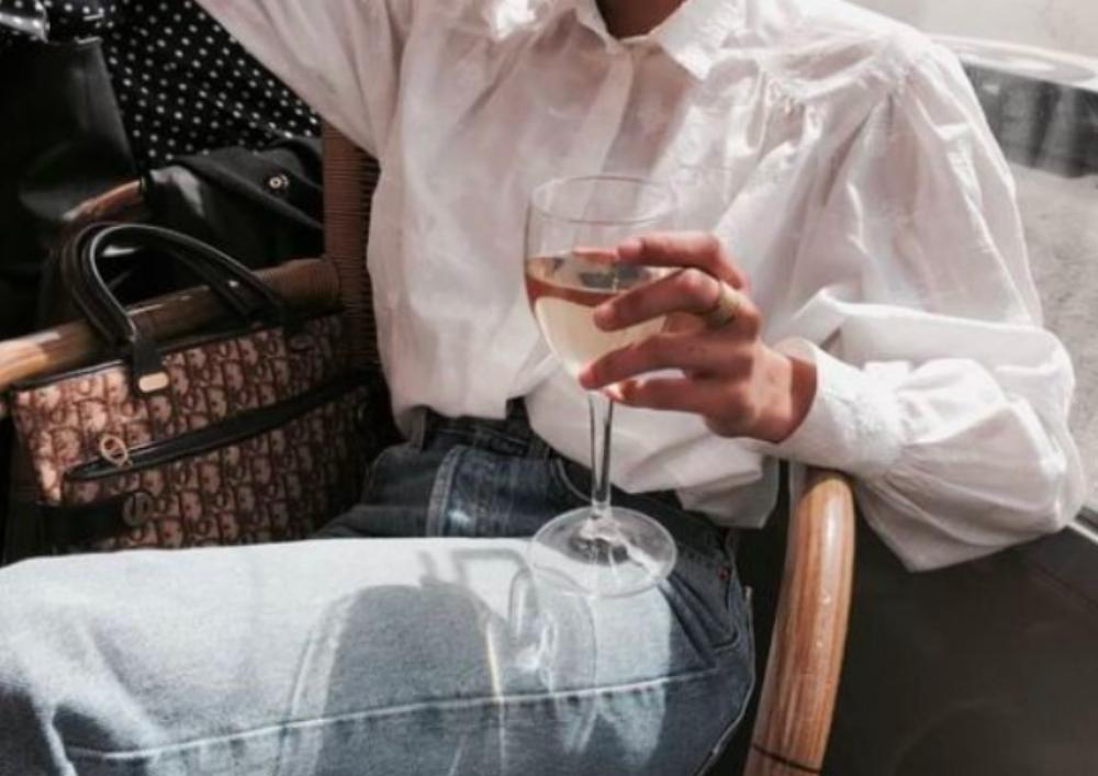 minder drinken date FEM FEM