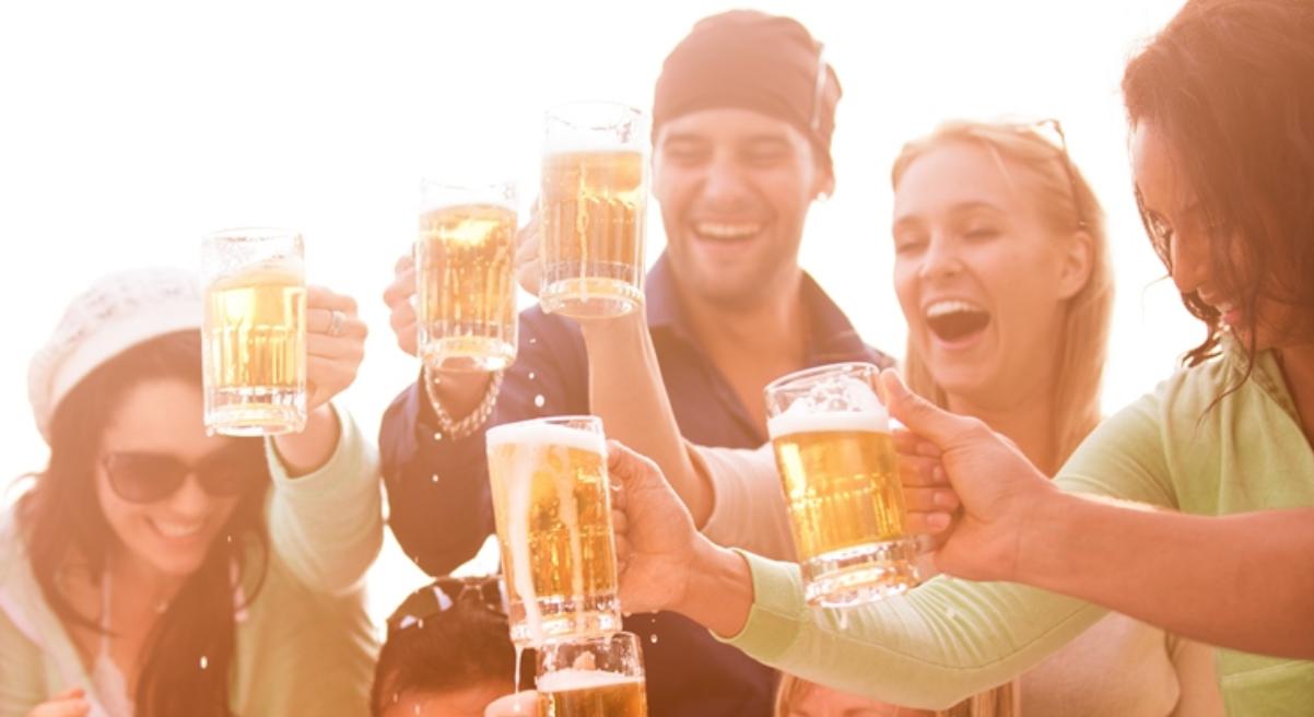 bier-drinken-fem-fem