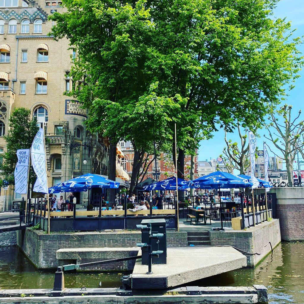 Kopstootbar-aan-t-water-terras-Kopstootbar-Amsterdam