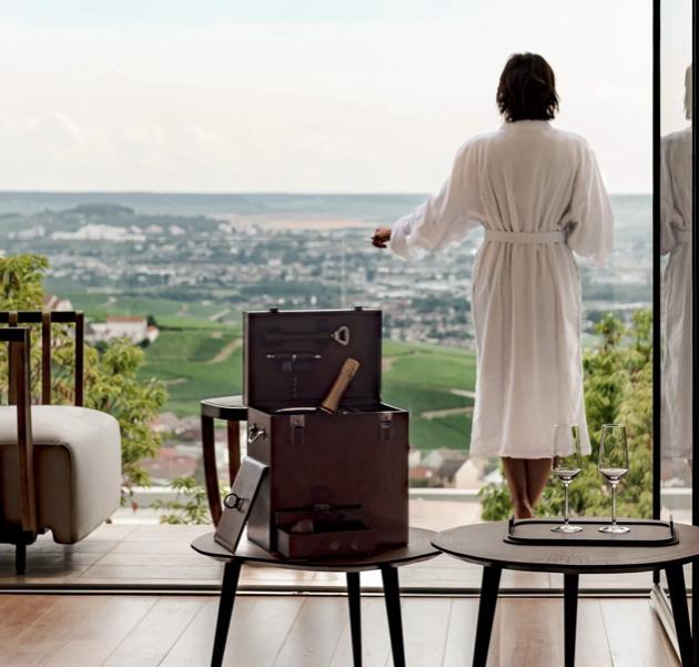 champagne hotel fem fem