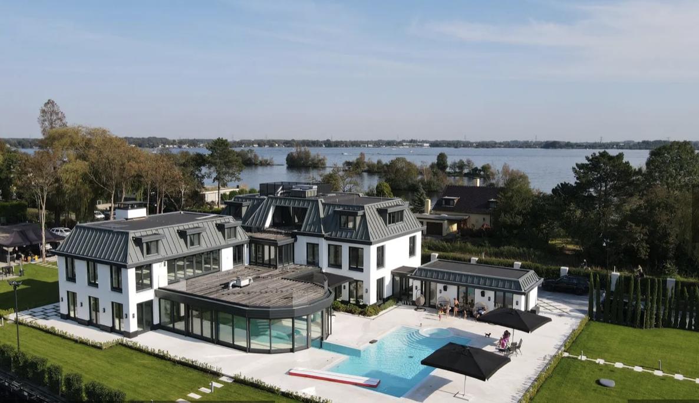 villa's nederland fem fem
