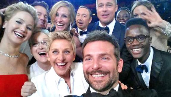 celebs selfie FEM FEM