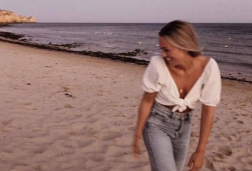 girl beach happy
