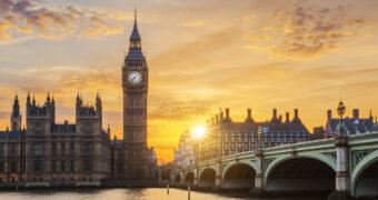 Alleen voor de durfal: je kan deze zomer per zipline over Londen vliegen
