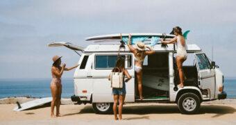 De ultieme surf-roadtrip door Europa voor jou en je vriendinnen