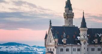 Dit kasteel in Duitsland maakt al jouw sprookjesachtige dromen waar