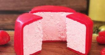 Deze roze kaas gevuld met prosecco wil je nu proeven