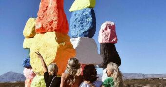 The Seven Magic mountains: een bijzonder kunstproject in the middle of nowhere