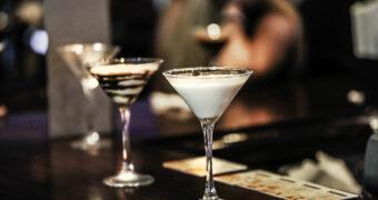 Van slaapdrankjes tot cocktails to-go: dit zijn de dranktrends van 2018/2019