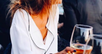 Vrouwen die wijn drinken hebben betere seks