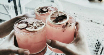 De leukste cocktailbars voor samen met je vriendinnen