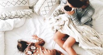 Zo krijg jij je kind het bed uit in de ochtend