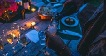 Science says: slimme vrouwen drinken meer alcohol