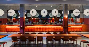 Foodliefhebbers in Rotterdam: Foodhallen heeft haar deuren geopend