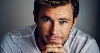 Chris Hemsworth FEM FEM