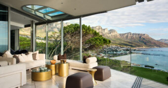 Dit prachtige strandhuis heeft het beste uitzicht over Kaapstad