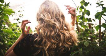 Deze 6 dingen zijn funest voor je haar