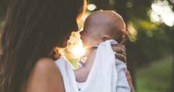 Science says: vrouwen die na hun 33e moeder worden leven langer