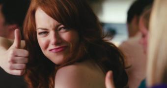 Dingen die vrouwen doen in films die totaal onrealistisch zijn