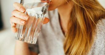 Dit zijn de redenen waarom je dagelijks voldoende water moet drinken