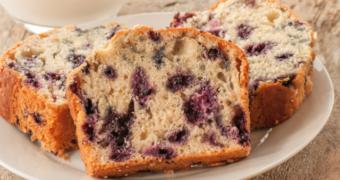 Tip voor het paasontbijt: suikervrij brood met blauwe bessen
