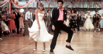 Dit is wat we tot nu toe weten over de prequel van Grease