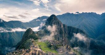 Wederom weer een prachtig natuurverschijnsel: de rode rivier in Peru